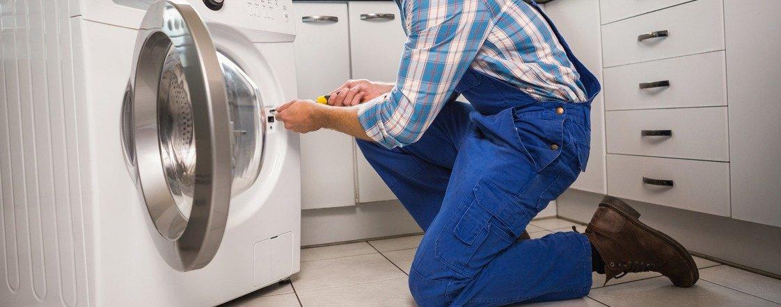 3 причини да изберете водопроводчик за монтиране на пералня